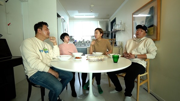"""'아니.  1 '임혁필, 박준형, 과거 공개 """"전 여자 친구에게 잡혔다"""""""